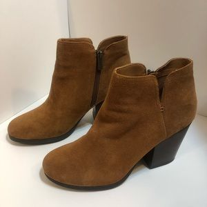 Kenneth Cole Reaction Tan Suede Booties